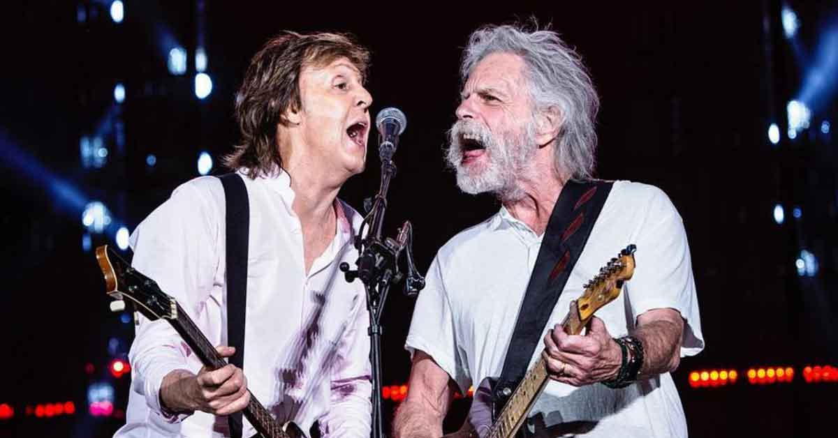 Watch Paul McCartney Bob Weir And Gronk Rock Fenway Park With Helter Skelter