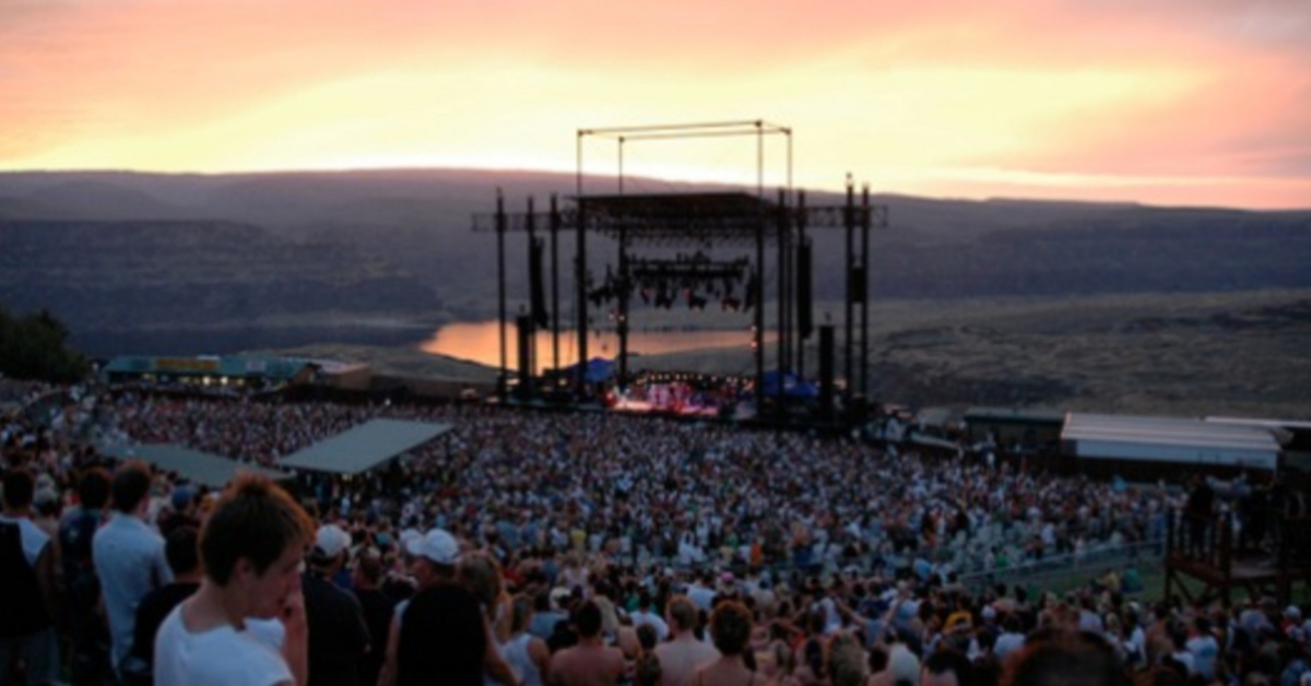 ccf658f9bcdb Classic  Watch Phish s Legendary Second Set at the Gorge in 1997 -  7 17 1998 Full Set Video - Jam Buzz